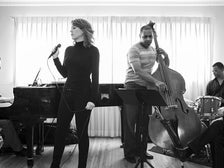 Molly Ringwald and her jazz group