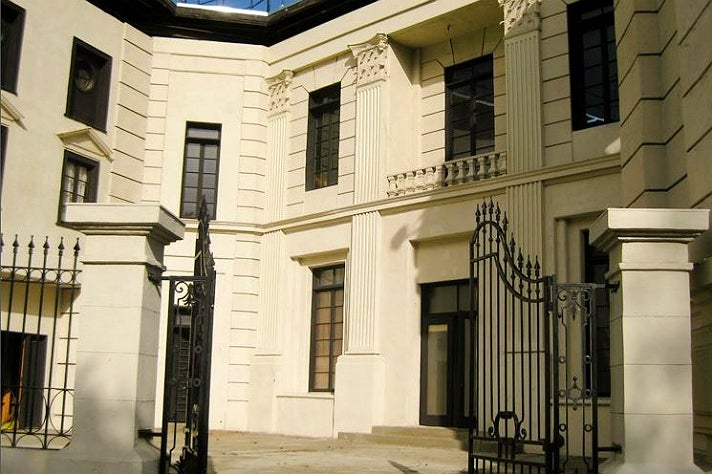 "Radley Sanitarium in ""Pretty Little Liars"" at Warner Bros. Studio"