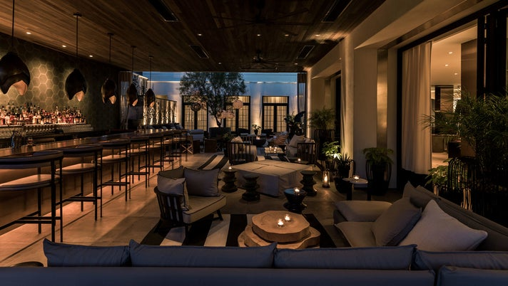 Backyard Lounge at Kimpton La Peer